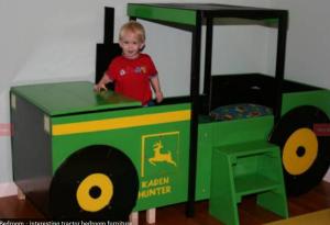 traktorska postelja